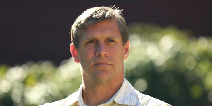 Zoltán István egy koporsót vezetve indul az amerikai elnőkválasztáson